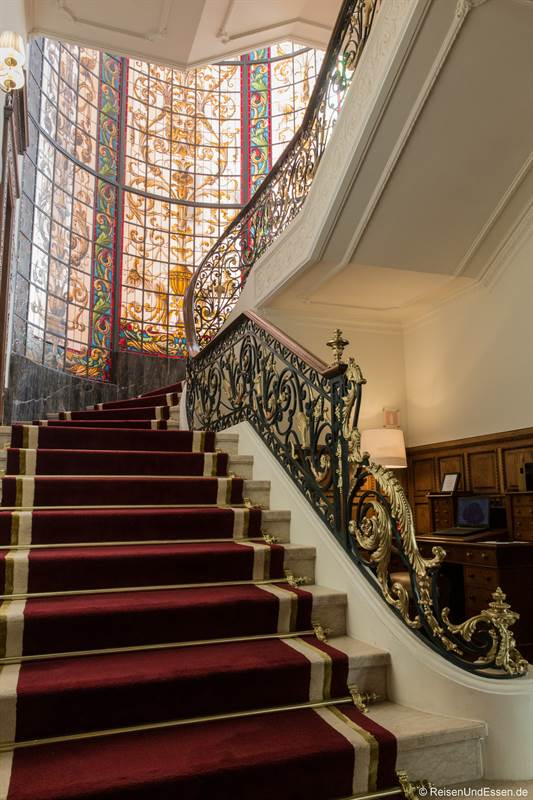 Aufgang im Hotel Infante Sagres in Porto