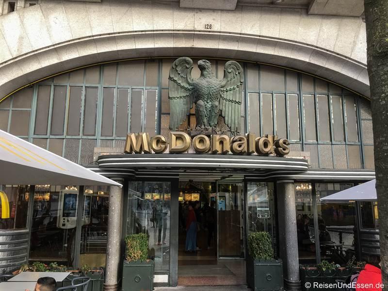McDonalds in der Av. dos Aliados in Porto