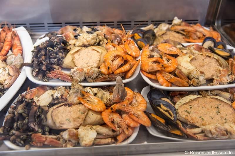 Meeresfrüchte im Mercado Bom Sucesso