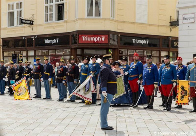 Aufmarsch beim imperialen Fest