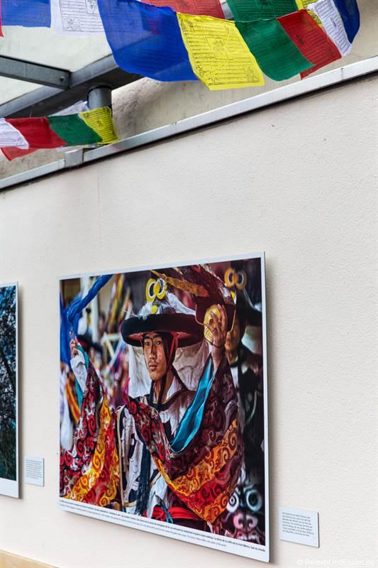 Buddhistische Motive von Matthieu Ricard beim Fotofestival La Gacilly