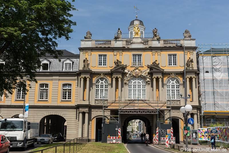 Portal des kurfürstlichen Schloss in Bonn