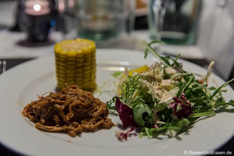 Pulled Pork beim Barbecue im Maritim Hotel Bonn