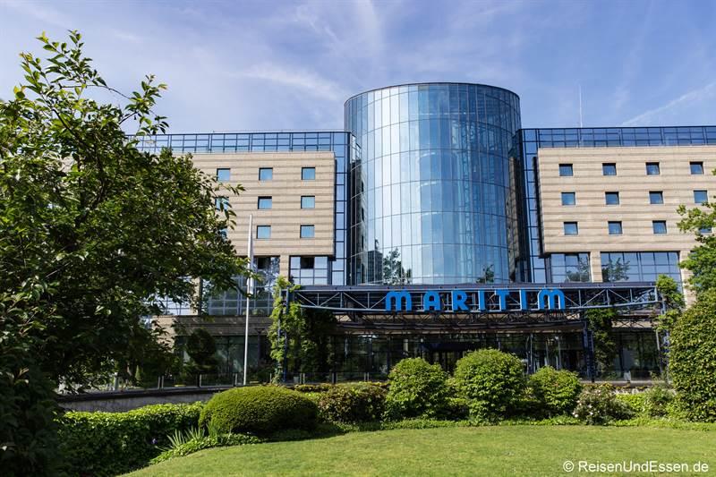 Eingang zum Maritim Hotel Bonn