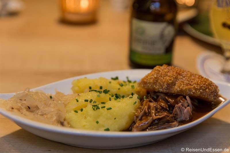 Schäuferla im Restaurant Schwarzer Bock in Ansbach