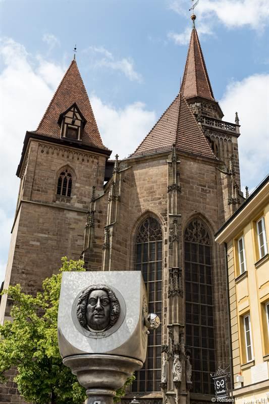 Johanniskirche und Bachdenkmal in Ansbach