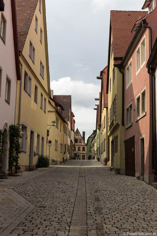 Menschenleere Gasse in Rothenburg ob der Tauber