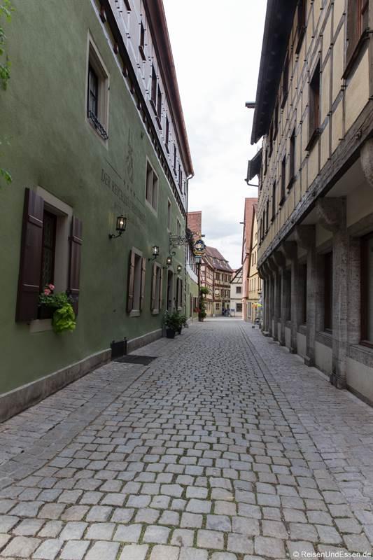 Menschenleere Heugasse in Rothenburg ob der Tauber