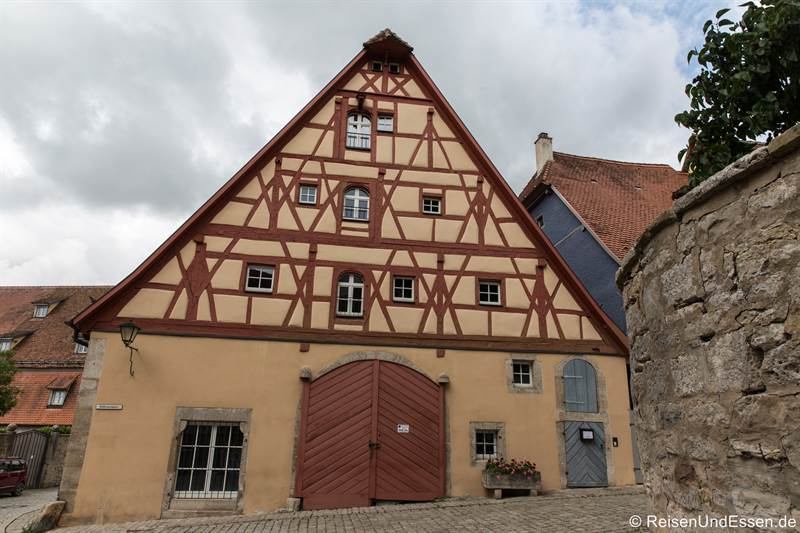 Fachwerkhaus in der Hofbrunnengasse - Sehenswürdigkeiten in Rothenburg ob der Tauber