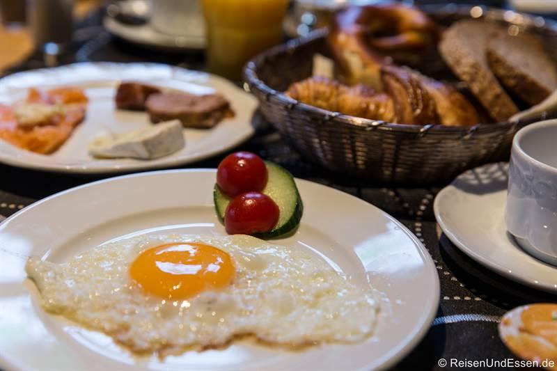 Frühstück mit Ei im Hotel BurgGartenpalais