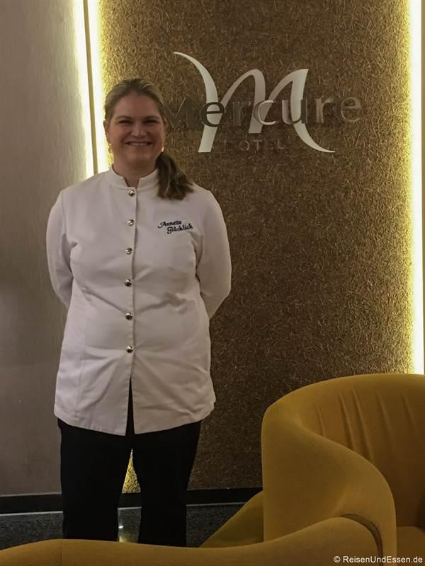 Annette Glücklich beim Dinner im Mercure Hotel Regensburg