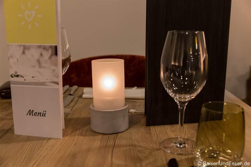 Tisch im Restaurant im Sonnenhotel Weingut Römmert in Volkach