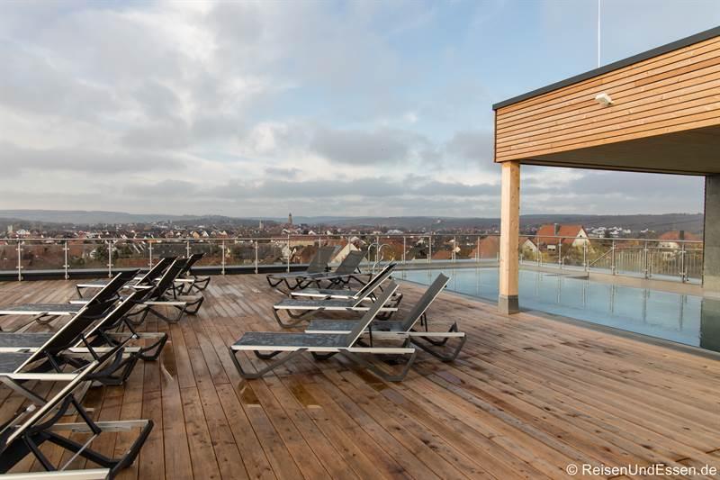 Dachterrasse beim Spa im Sonnenhotel im Sonnenhotel Weingut Römmert in Volkach