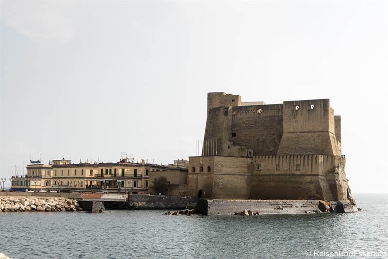 Castel del'Ovo - Sehenswürdigkeiten in Neapel