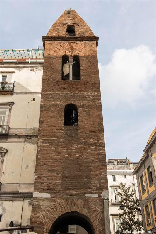 Camanile della Pietrasanta im Centro Storico von Neapel