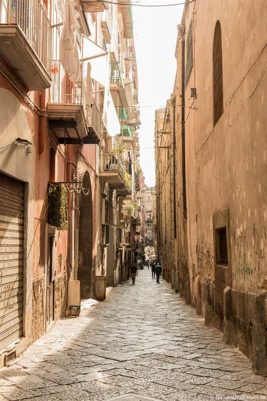 Vico Apostoli in der historischen Altstadt von Neapel