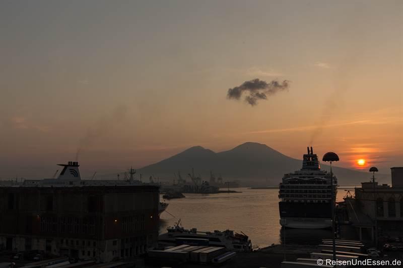 Blick von der Ferienwohnung auf den Vesuv
