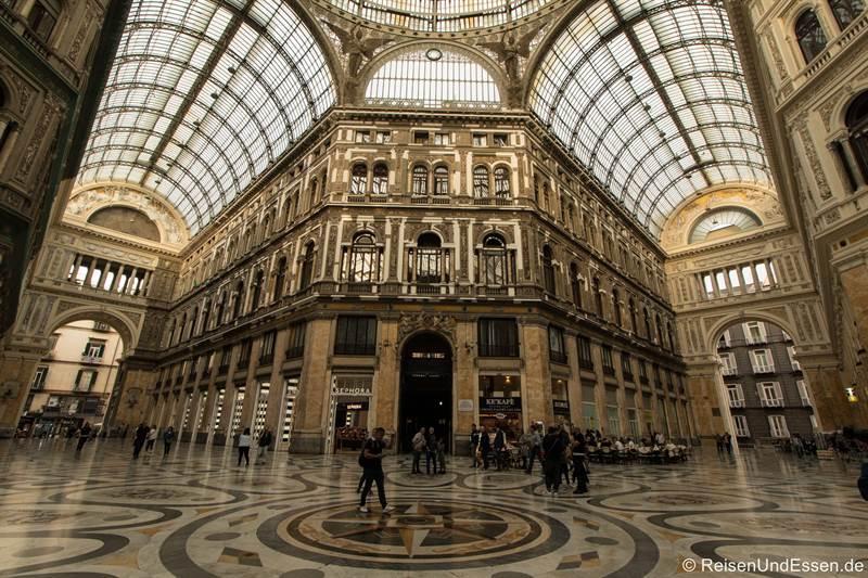 Galleria Umberto I in Neapel - Sehenswürdigkeiten in Neapel