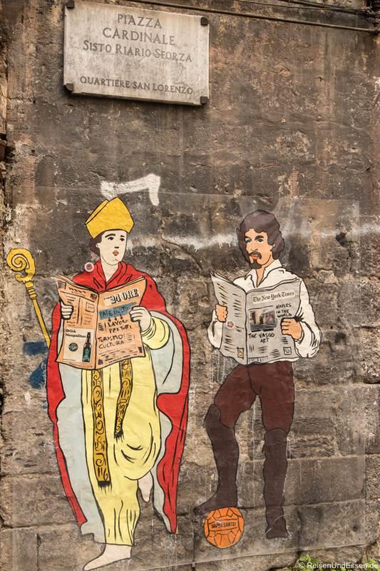 Graffiti beim Duomo in Neapel