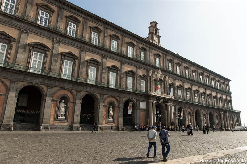 Palazzo Reale - Sehenswürdigkeiten in Neapel