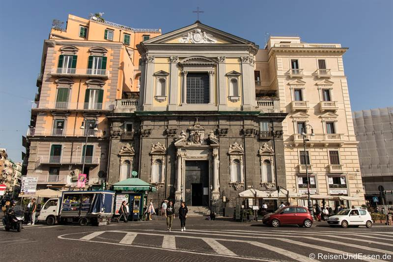 Piazza Trieste e Trento in Neapel