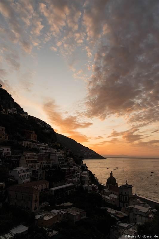Sonnenaufgang in Positano an der Amalfiküste