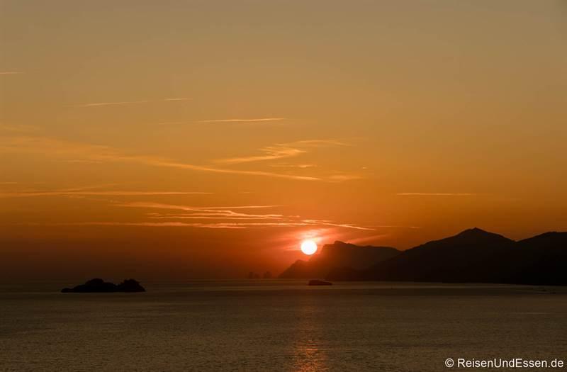 Sonnenuntergang in Praiano an der Amalfiküste