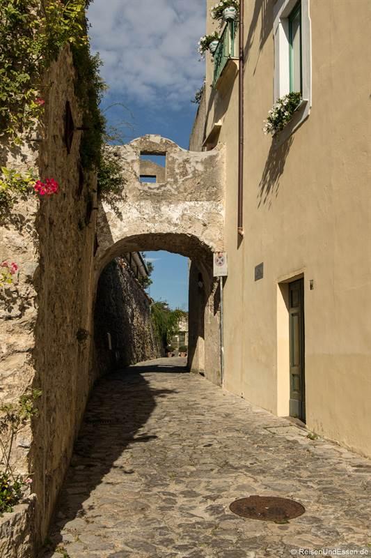 Gasse in Ravello an der Amalfiküste