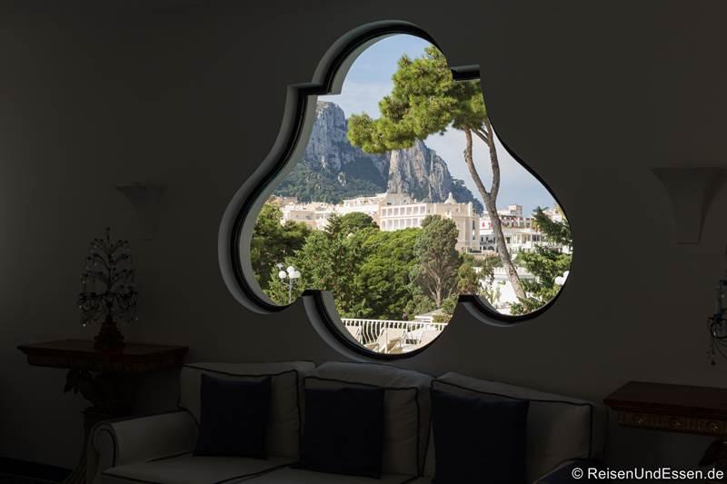 Blick von der Hotellobby im Casa Morgano auf die weißen Häuser