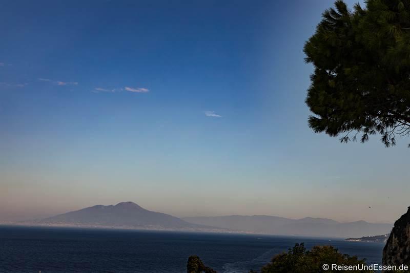 Blick von Capri auf den Vesuv