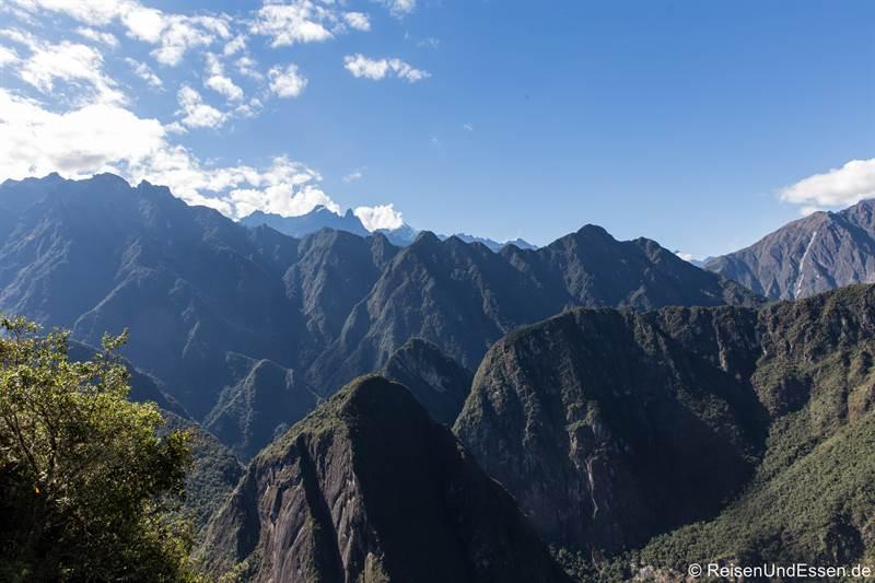 Umliegenden Berge vom Huayna Picchu in Peru