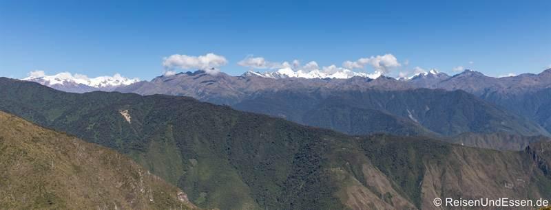 Blick auf die Berge vom Montaña