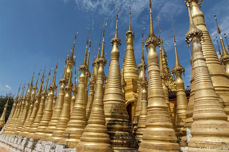 Goldene Pagoden in Indein am Inlesee - Sehenswürdigkeiten in Myanmar