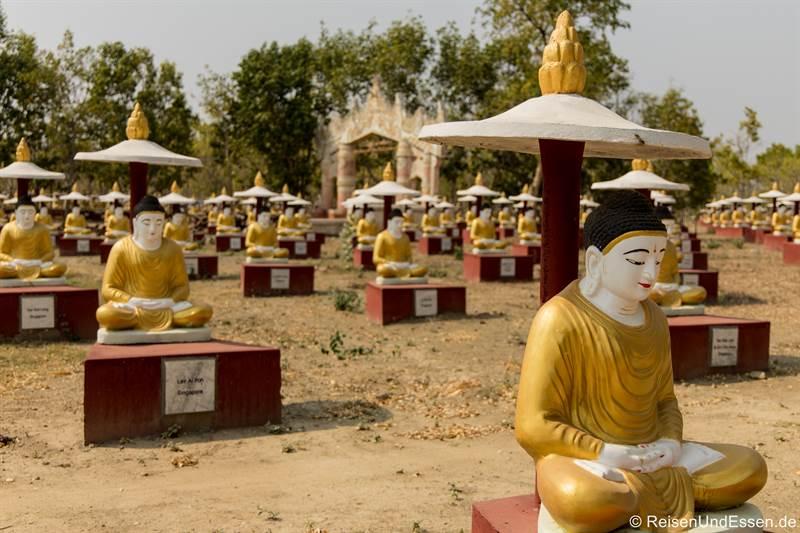Tausend Buddhafiguren in Monywa