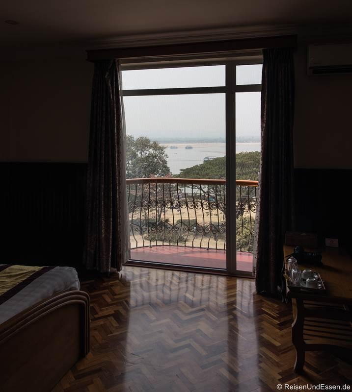Aussicht auf den Irrawaddy vom Hotel in Mandalay