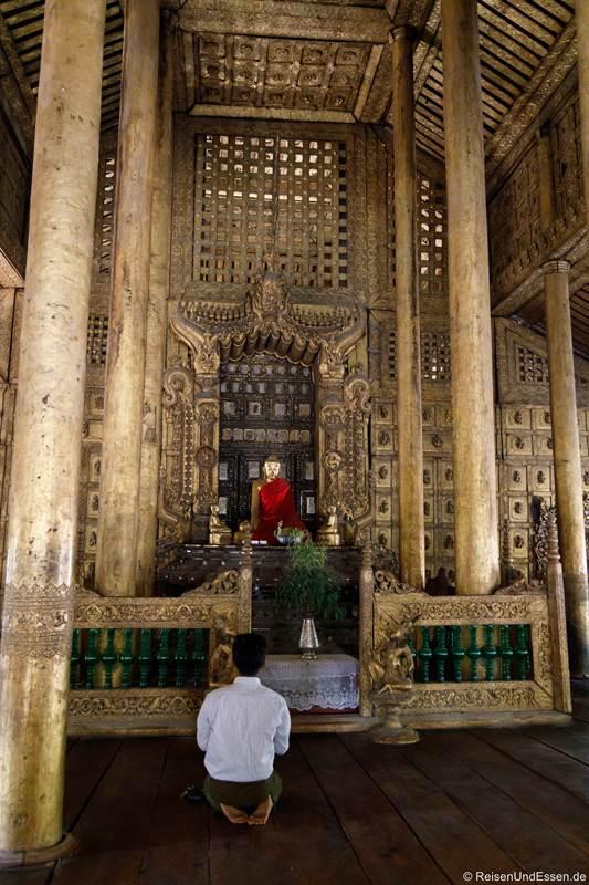 Buddha im Shwenandaw-Kloster