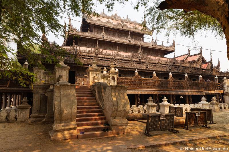 Shwenandaw-Kloster aus Holz- Sehenswürdigkeiten in Mandalay