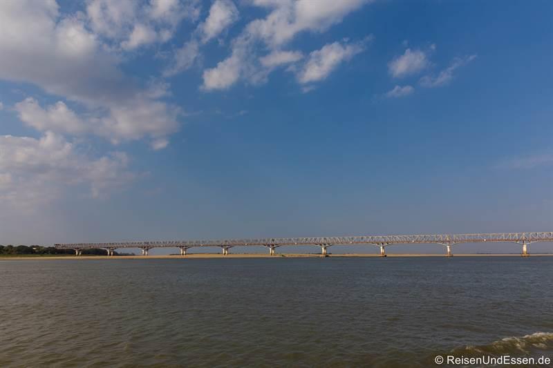 Brücke über den Irrawaddy bei Bagan