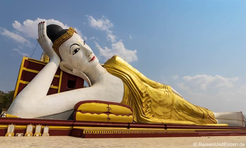 Liegender Buddha in Bodhi Tataung