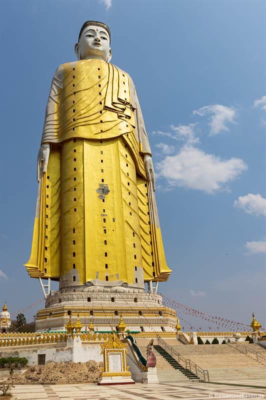 Stehender Buddha in Bodhi Tataung - Sehenswürdigkeiten in Monywa