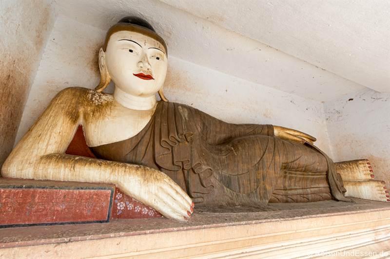 Liegender Buddha in Hpo Win Daung bei Monywa