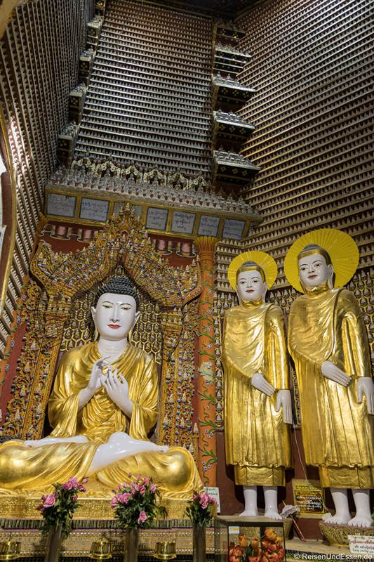 Buddhas in der Thanboddhay-Pagode