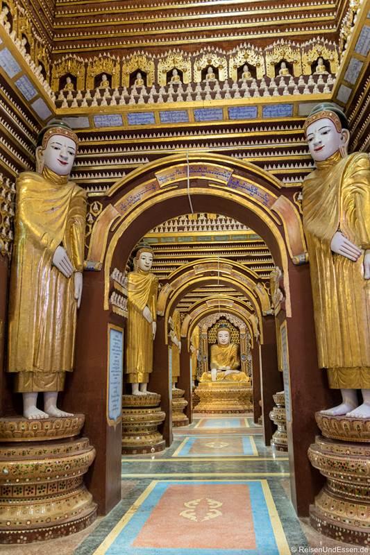 Gang mit Buddhas in der Thanboddhay-Pagode bei Monywa