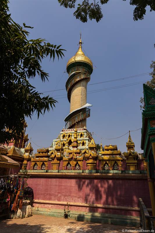 Turm in der Thanboddhay Pagode in Monywa