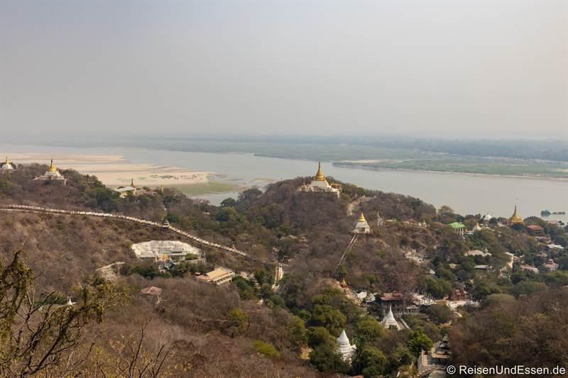 Aussicht von der Sun U Ponnya Shin-Pagode in Sagaing