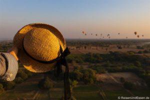 Ballonfahrt in Bagan – Sonnenaufgang über den Pagoden in Bagan