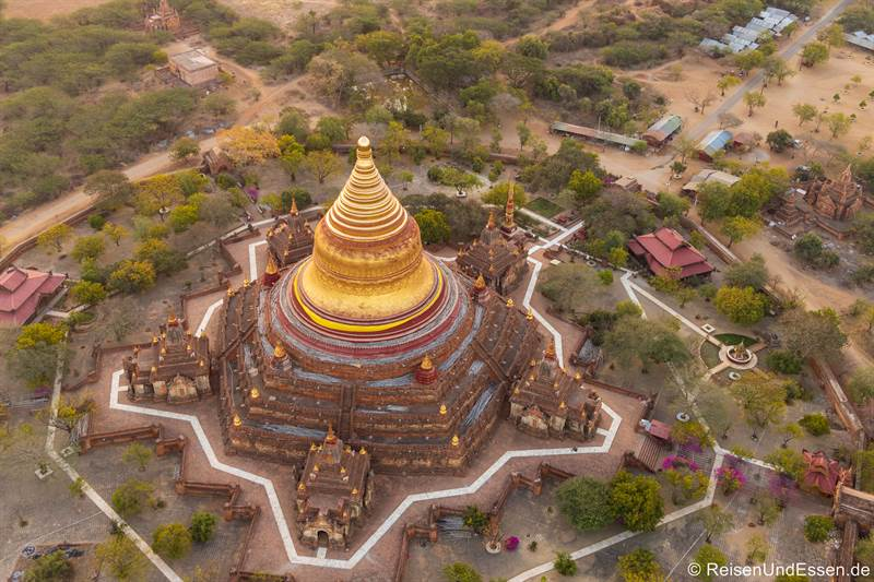 Dhammayazika-Pagode in Old Bagan