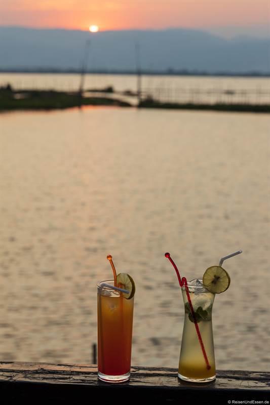 Cocktail im Golden Island Cottages Thale-U Hotel
