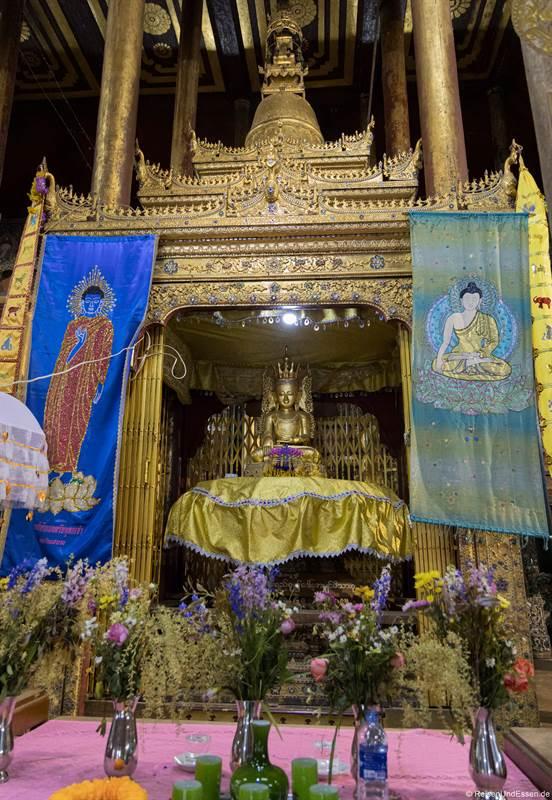 Buddha im Nga Hpe Kyaung Kloster