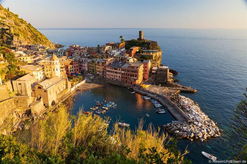 Hafen von Vernazza in den Cinque Terre